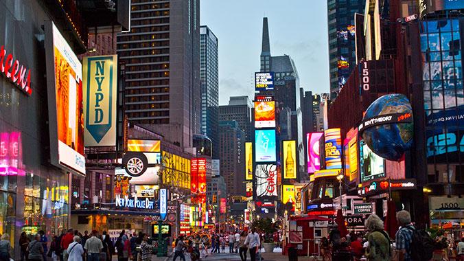 tickets para broadway y descuentos - Vamos a ver 1 obra de Broadway en grupo. Entre ahora y el 2020 van a haber nuevos musicales así que la obra se confirmara a finales del 2019.Cada alumno recibe una tarjeta de estudiante para acceder a descuentos en New York.