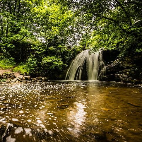 janet-s-foss-waterfall-malham-dales.jpg