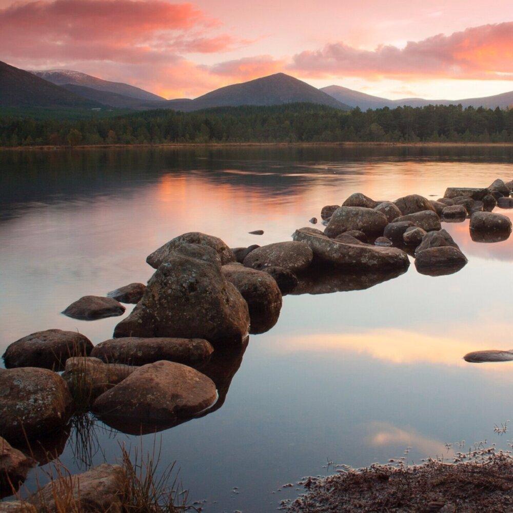 Loch-Morlich-in-the-Cairngorms-at-sunset_938266.jpg