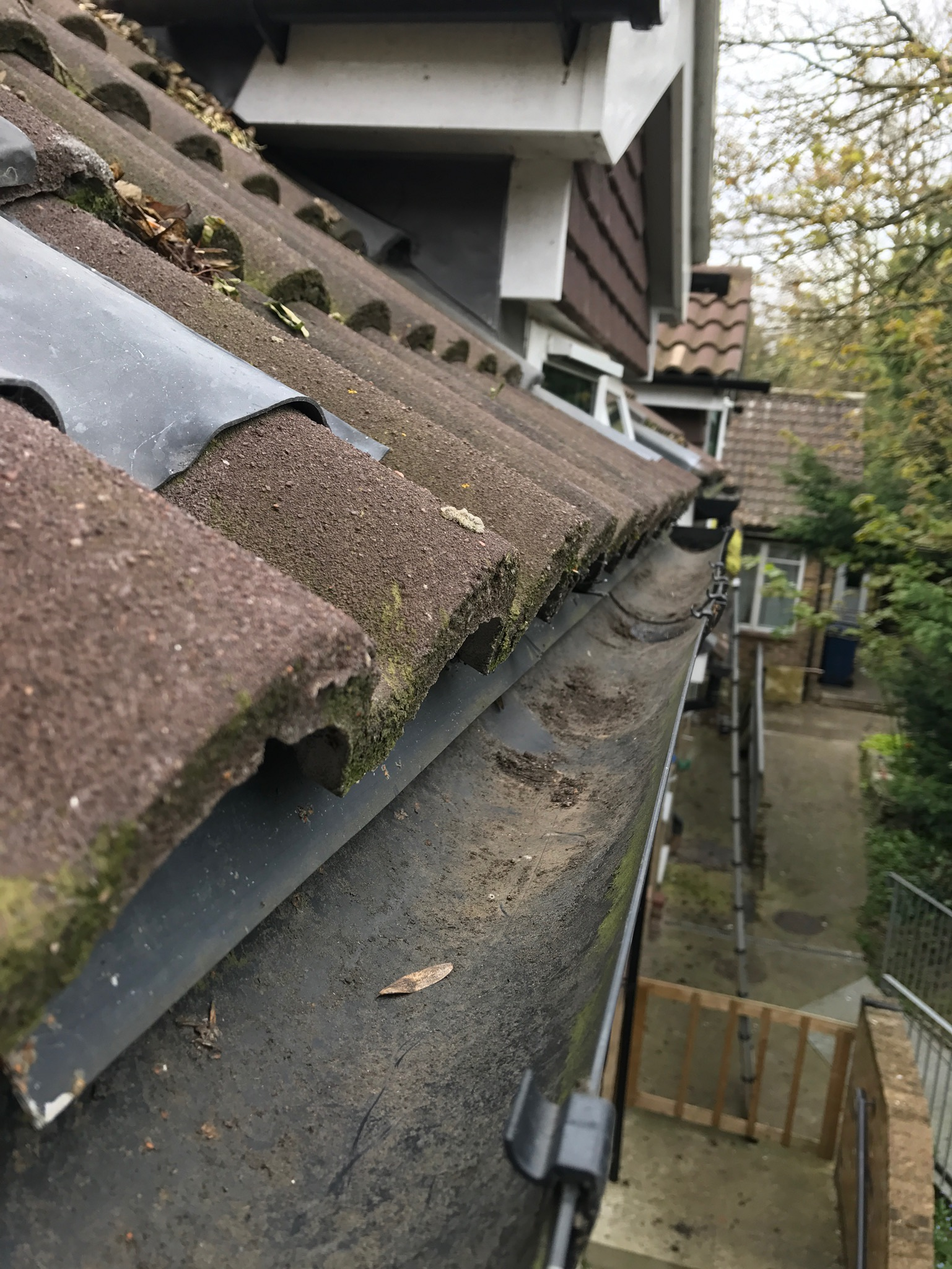 gutter clearing after luton