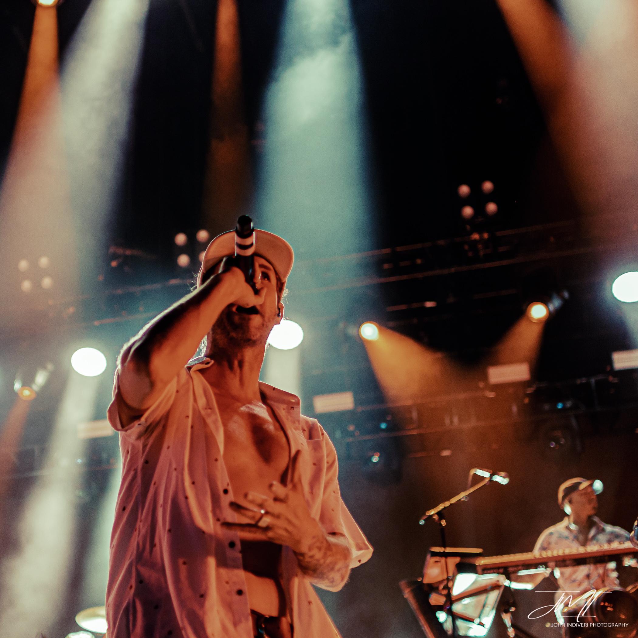 SingerClose.jpg
