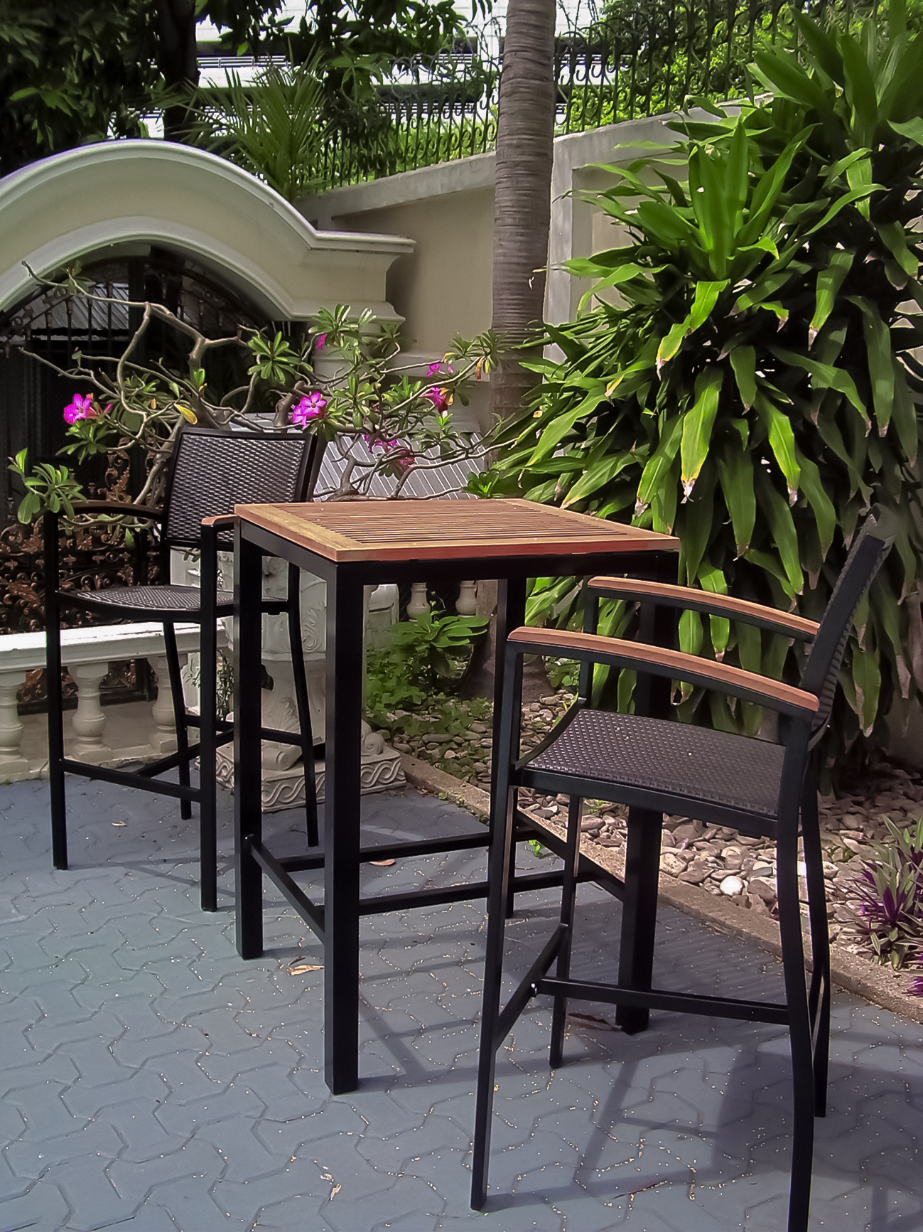 Core Teak and Powder coated Aluminum Hightop table and matching Ultimate hightop chair with arms copy.jpg