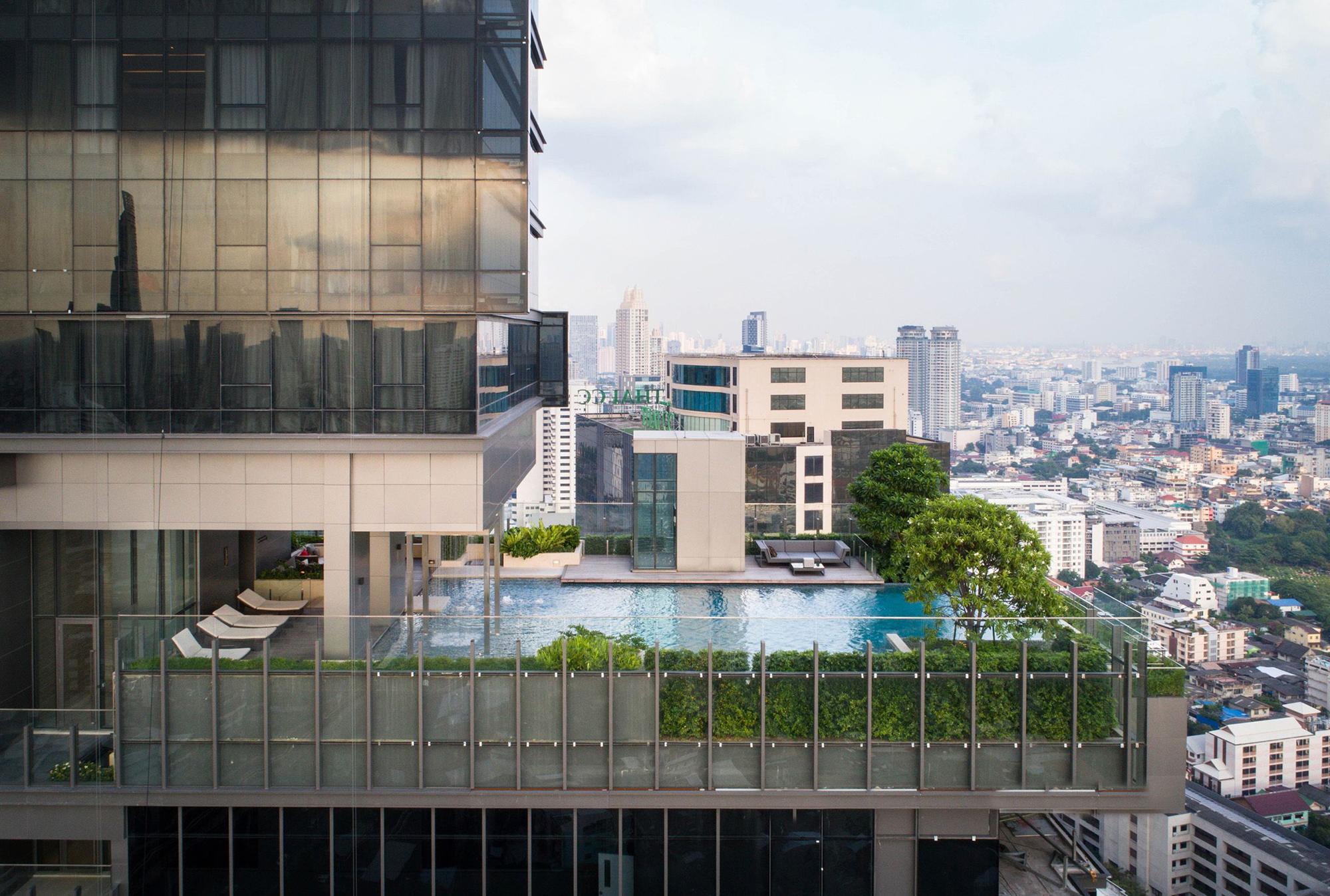 The Bangkok Sathorn 1.jpg