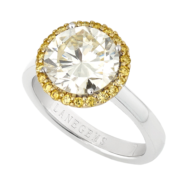 3.4ct round brilliant cut Diamond with Fancy Intense Yellow Halo