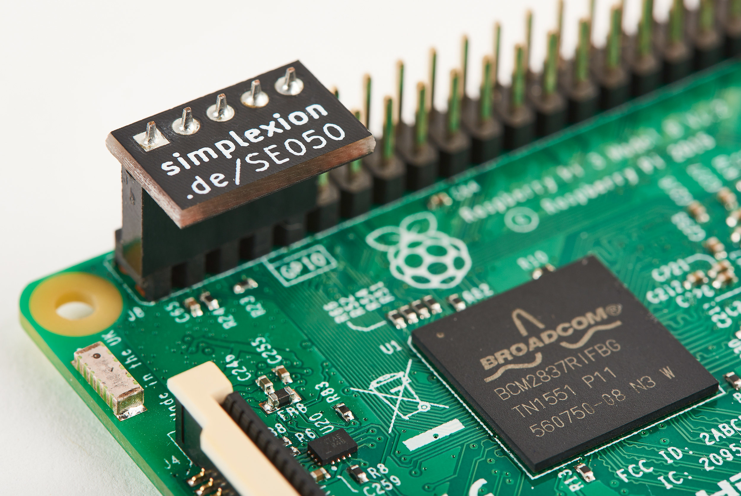 NXP SE050Breakout Board - Get your free breakout board now and start developing! Drop us a mail at: se050@simplexion.de and tell us what you'd like to hack!