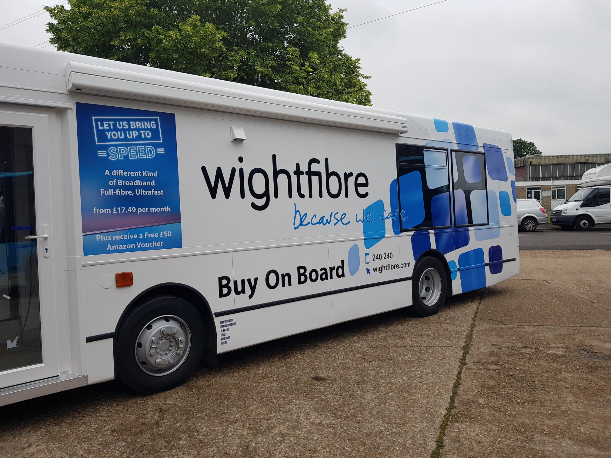 Wightfibre exhibition trailer side view2