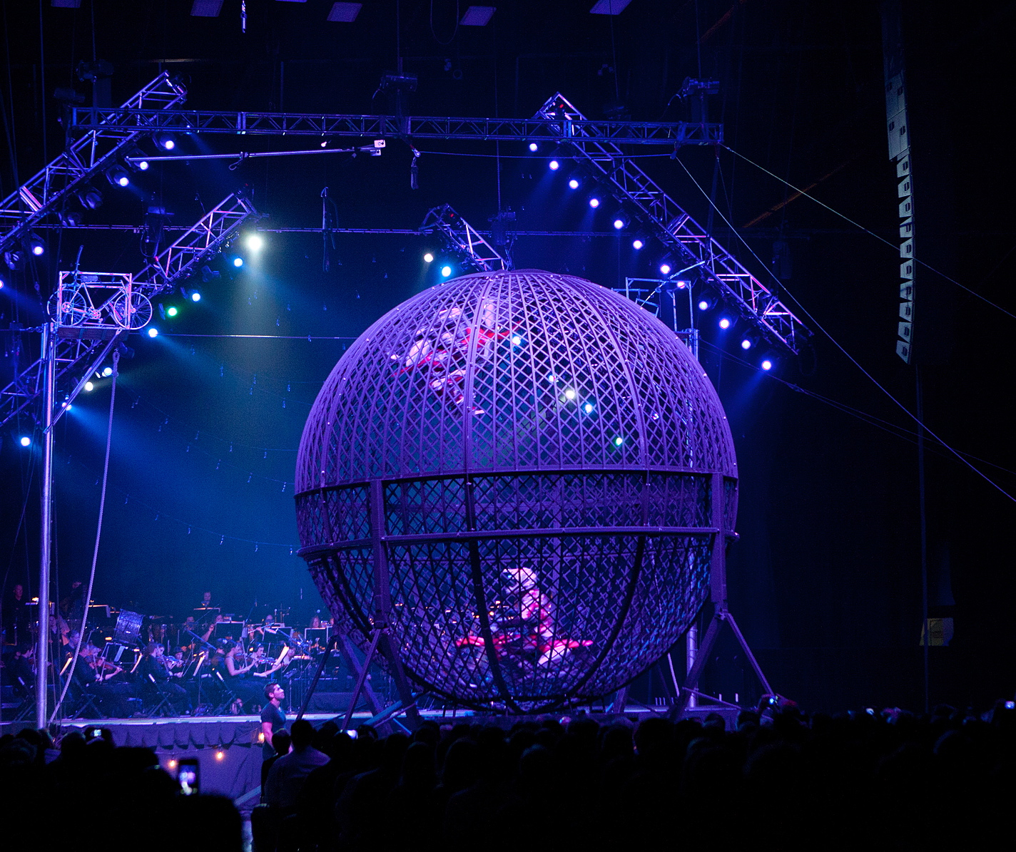Extreme Espanas 3 - Cirque Musica.jpg