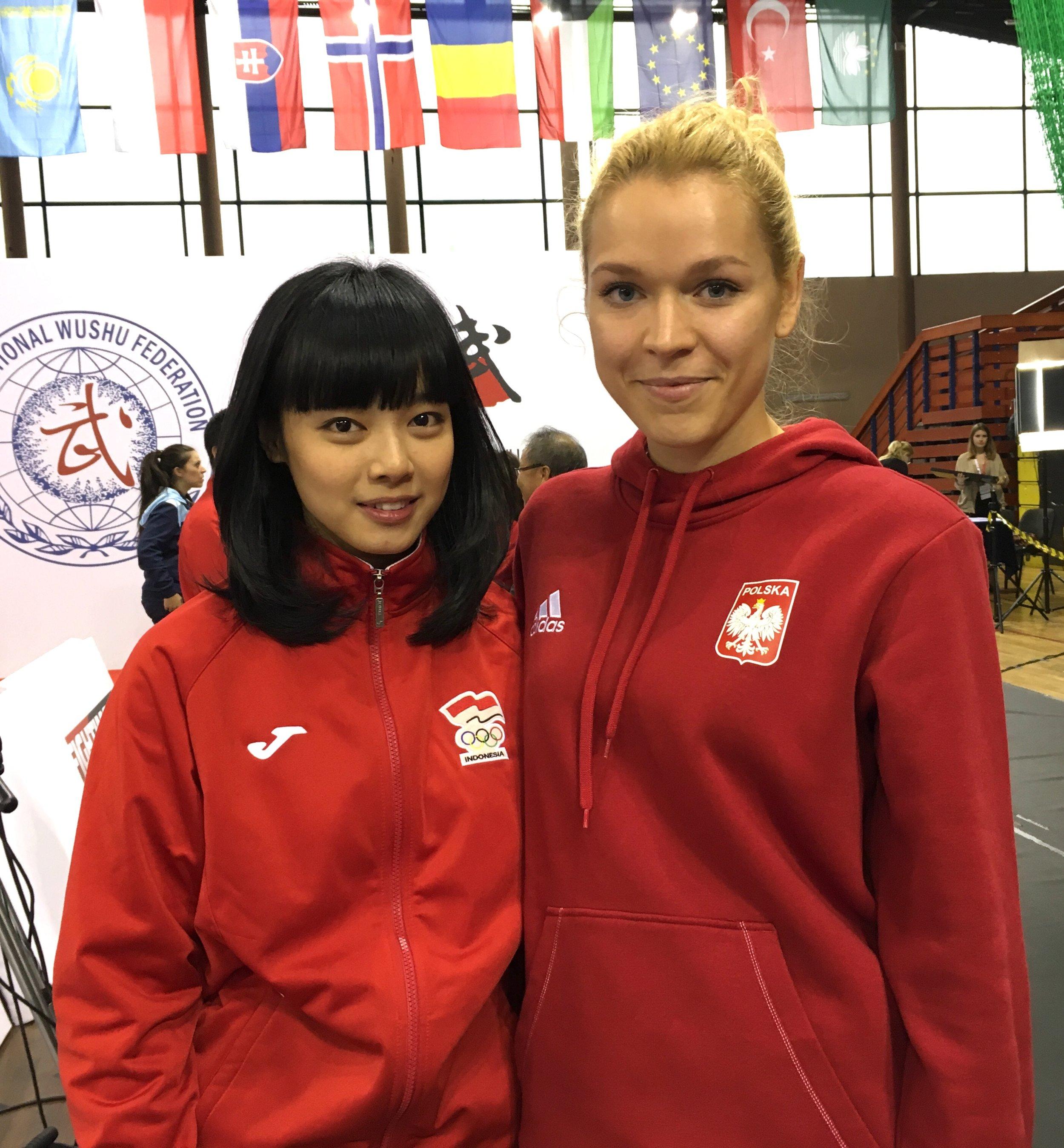 Z aktualną Mistrzynią Świata w Nowej formie obligatoryjnej Taijijian styl Yang: Lindswell Kwok (Indonezja)