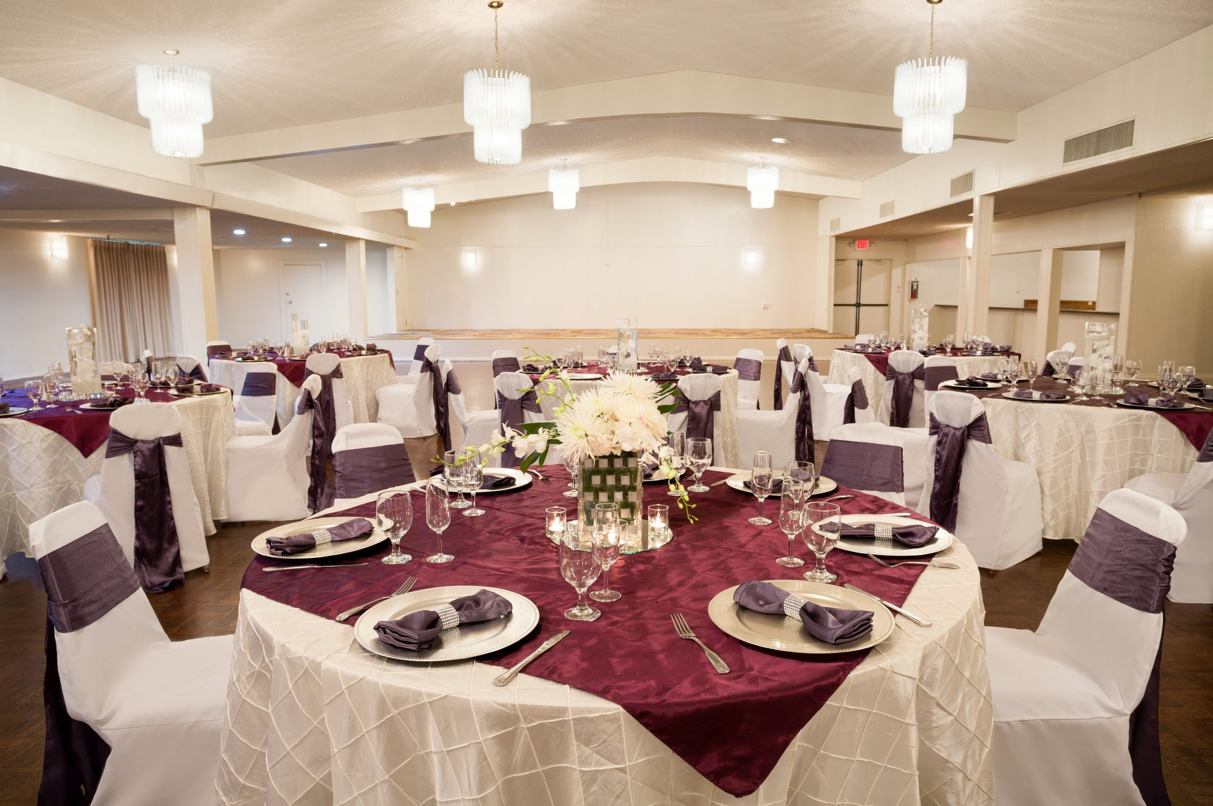 Meeting & Event Space - Our hotel in the Kearney Mesa area of San Diego features over 7,000 square feet of versatile event space, a stellar event management team, and a ton of onsite catering options that are sure to make your next event exceptional.Whether you're hosting a small, intimate meeting, or a large, romantic wedding, we've got the space for you. Visit our meetings & events page or our weddings page for more information on booking our hotel's event space!Submit an inquiry today!