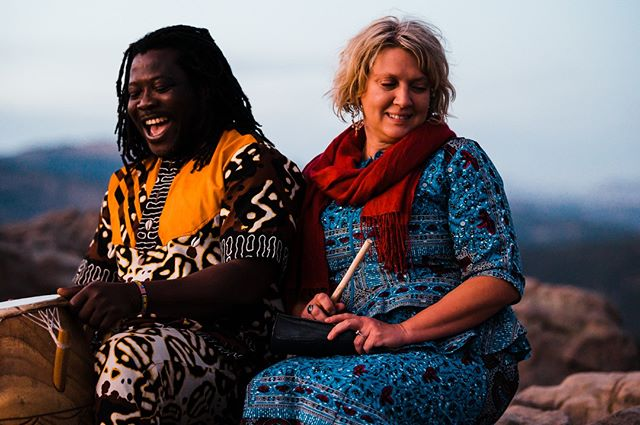 We had such a fun time with Kristin and Nii Okai at The Lost Gulch Overlook on Flagstaff mountain in #Bouldercolorado ! They are having their ceremony in Ghana next year, so they wore their Ghanian attire for the engagement. At the end they played drums and sang for everyone on the mountain. It was truly an amazing experience!  #lostgulch #lostgulchengagement #lostgulchoverlook #lostgulchlookout #boulderweddingphotographer #aspenweddingphotographer #denverweddingphotographer #coloradoweddingphotographer #shesaidyes #instagood #instadaily #tellurideweddingphotographer #elopecolorado #destinationwedding #destinationweddingphotographer #junebugweddings #junebugengagements #marthastewartweddings #alaskaweddingphotographers #nikon #nikonz6 #mountainweddingphotographer #ashevilleweddingphotographer #mastinlabs #mastinpresets