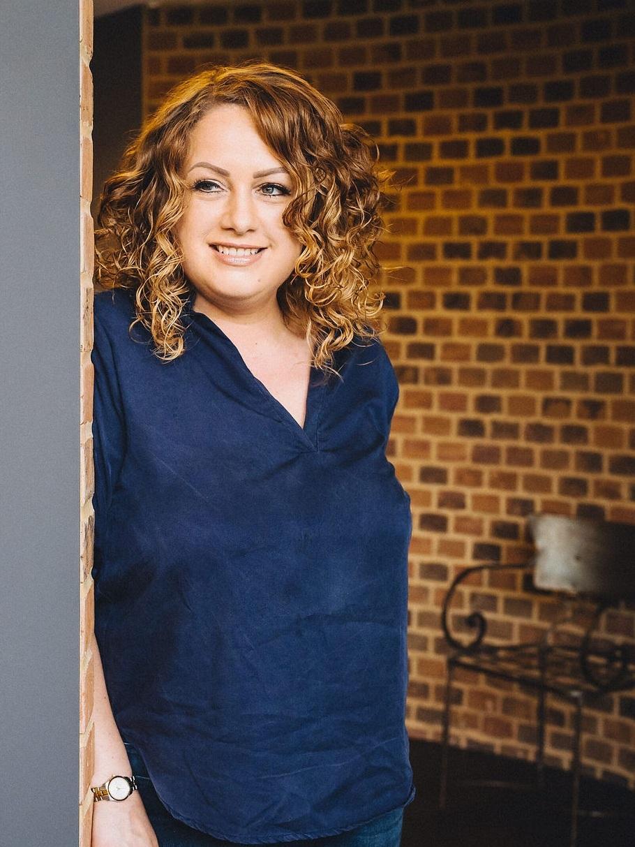 Laura Mercer, Mercers Timber Frame Consultancy | timber frame consultancy in East Sussex | Specialising in bespoke timber frames
