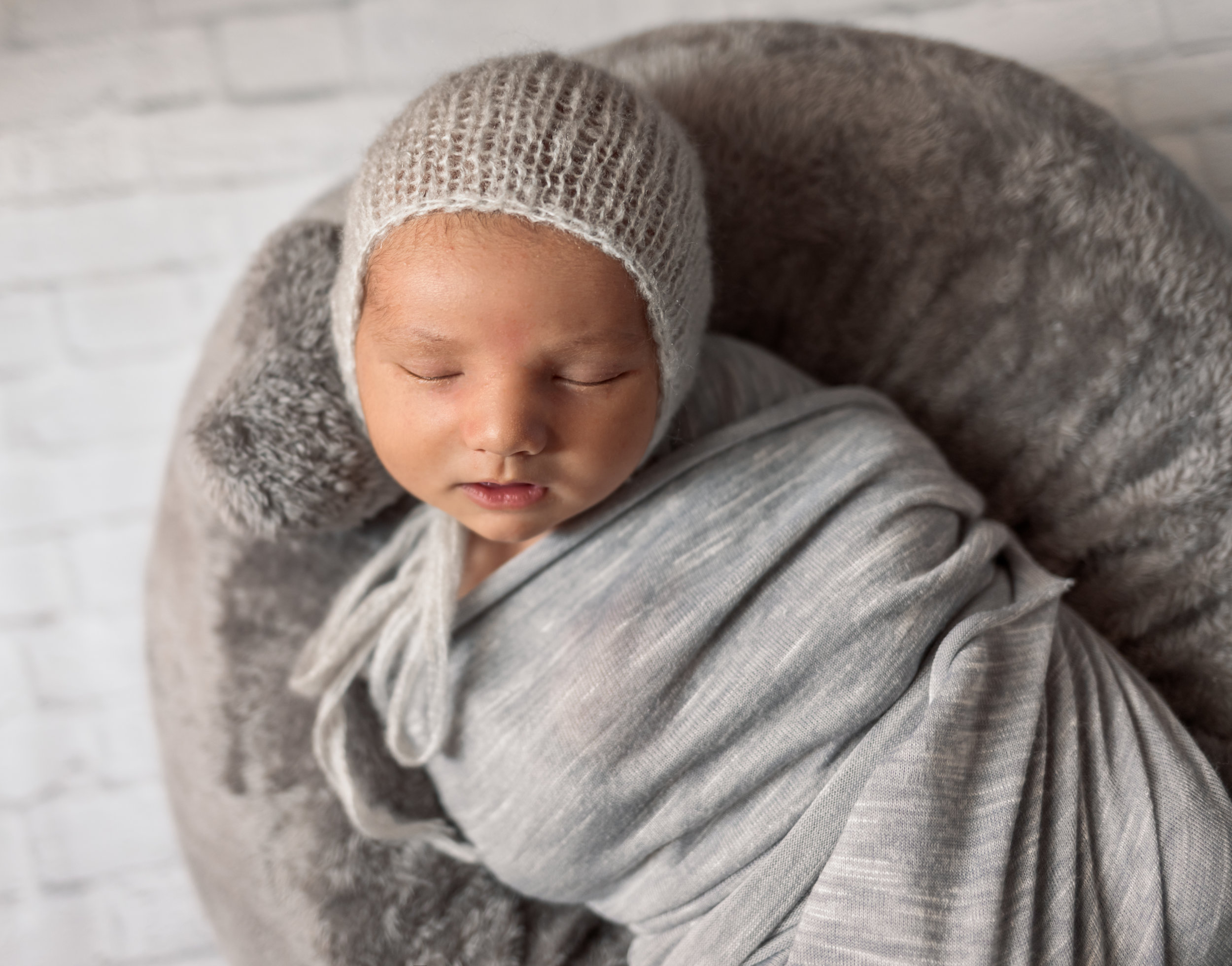 Shannon Revelle Photography, Michigan Newborn and Family Lifestyle Photographer in Taylor, MI 48180, Detroit Baby Photographer