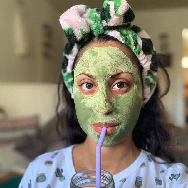 Moments of self care! Today is the last day to sign up for the series, all videos will lock on Saturday. So get your face mask on, listen, and learn you something new 😉 We're dismantling some real shit over here ✊🏽 you know where to go (rhymes with link in bio)