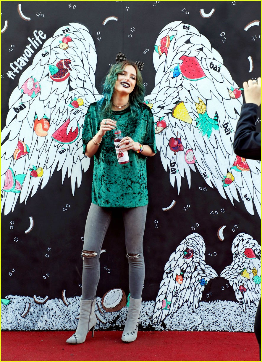 Bella Thorne_Bai Angel Mural.jpg