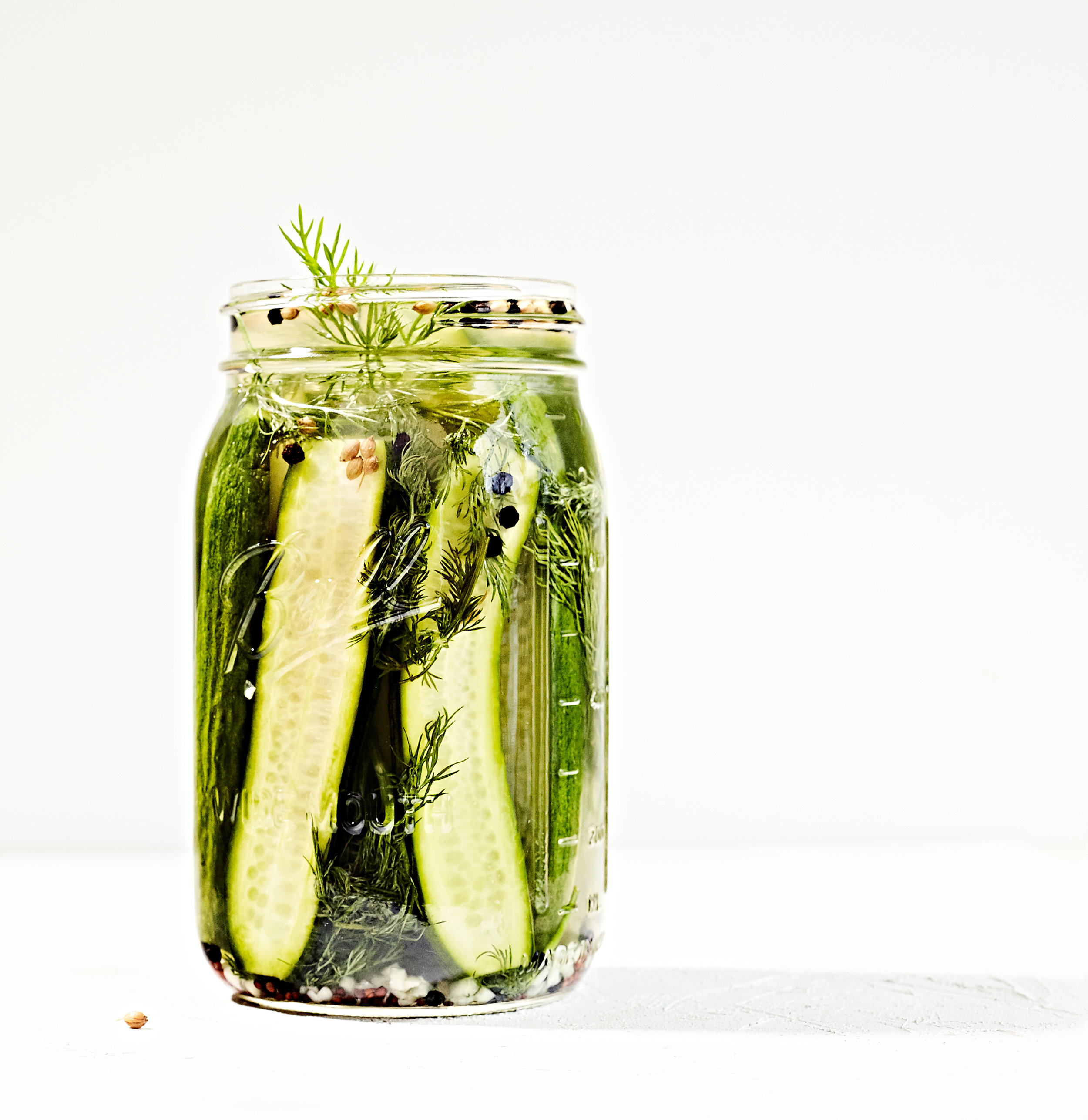 Quick refrigerator dill pickles in a jar