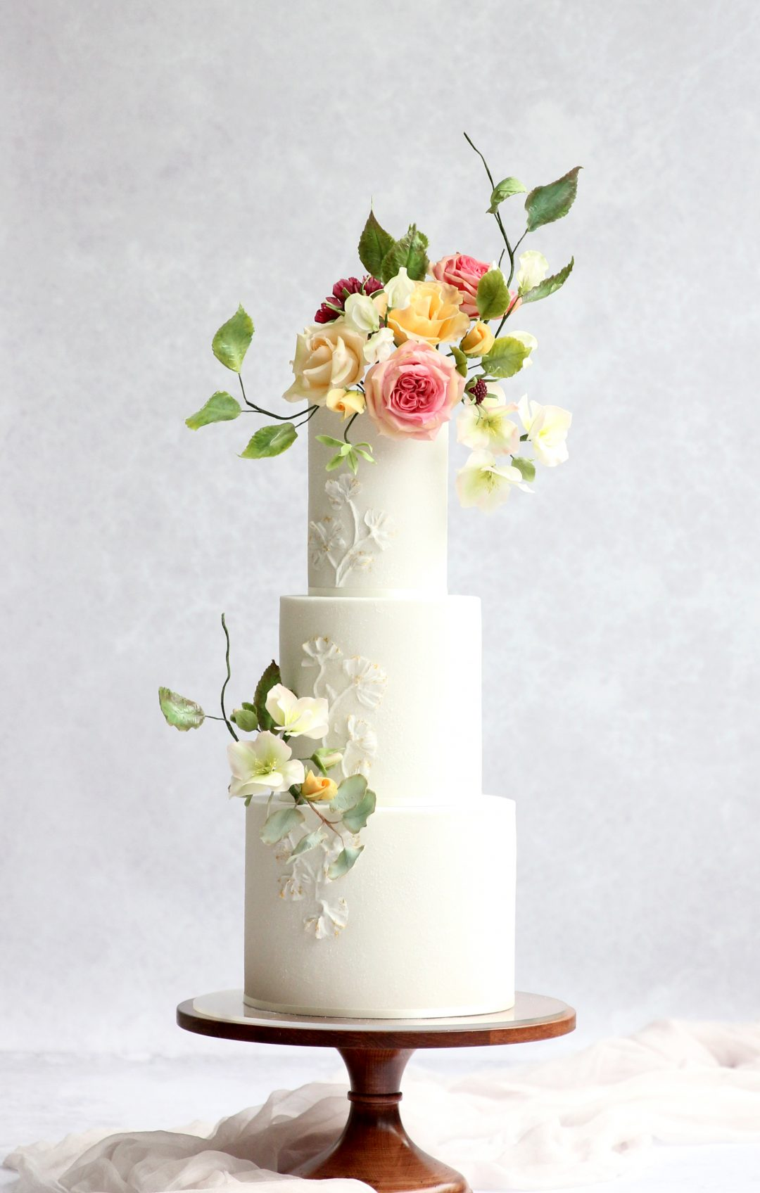Floral - Flowers have always been a traditional adornment of wedding cakes and 2019 will be no exception.