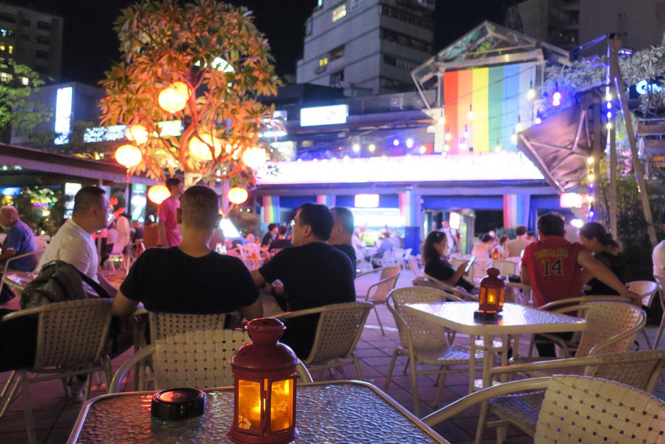 紅樓南廣場彩虹友善商家聯盟今年贊助遊行推「行動彩虹車」