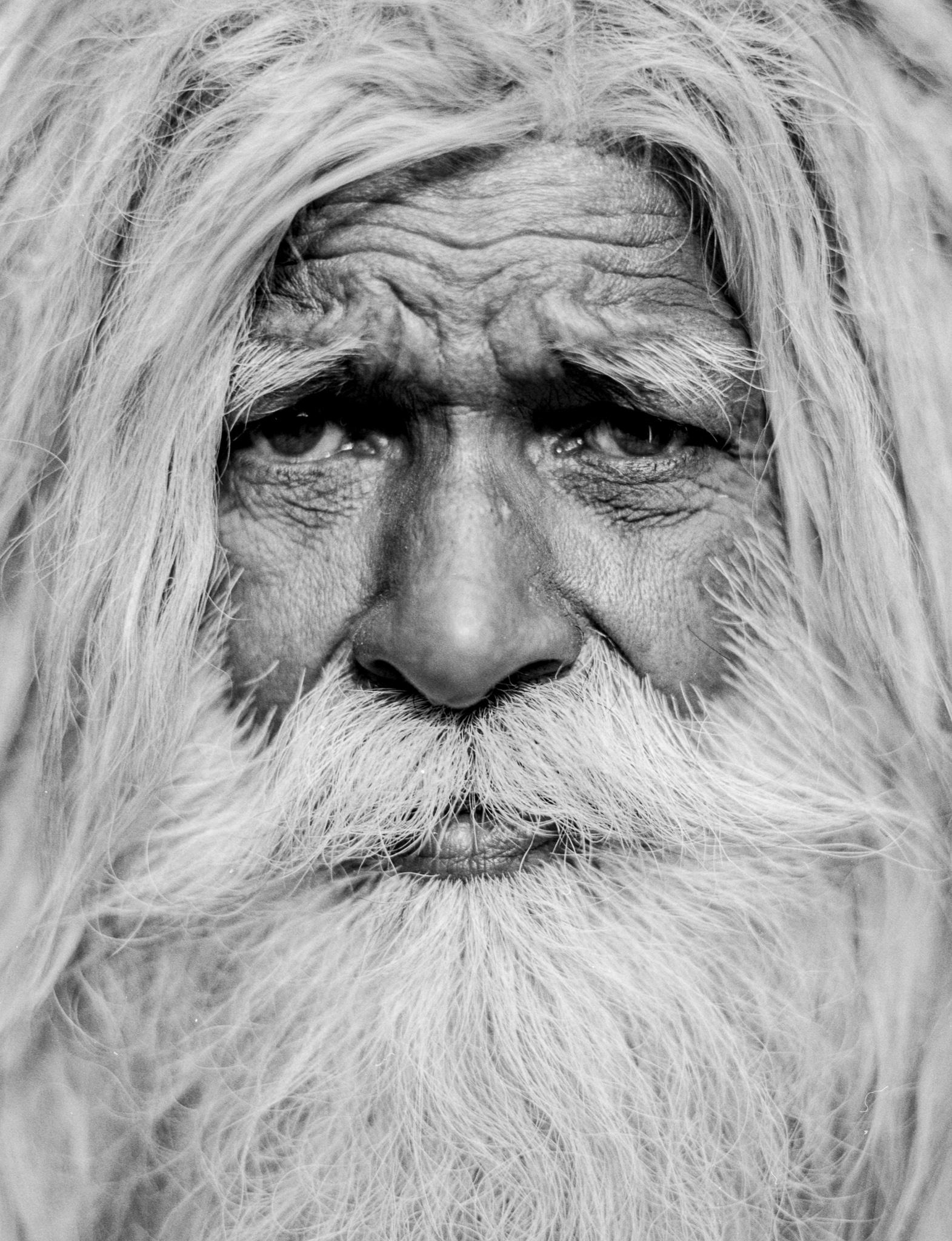 Varanasi_Moon_D76_Detail007.jpg