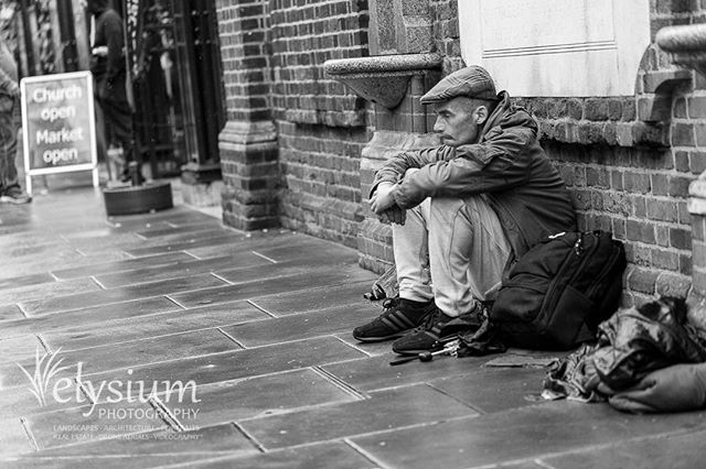 In London this week, so thought I'd post another in a series of street shots I took last year while walking around London. Every soul has a story to tell - would that we'd take more time to listen.  Canon EOS 5D III, 100mm f/2.8 L  #london #uk #streetphotography #urban #citylife #homeless #travelphotography #travel #streets #blackandwhite #blackandwhitephoto #bwphotography #canon #5dmarkiii #canonphotography