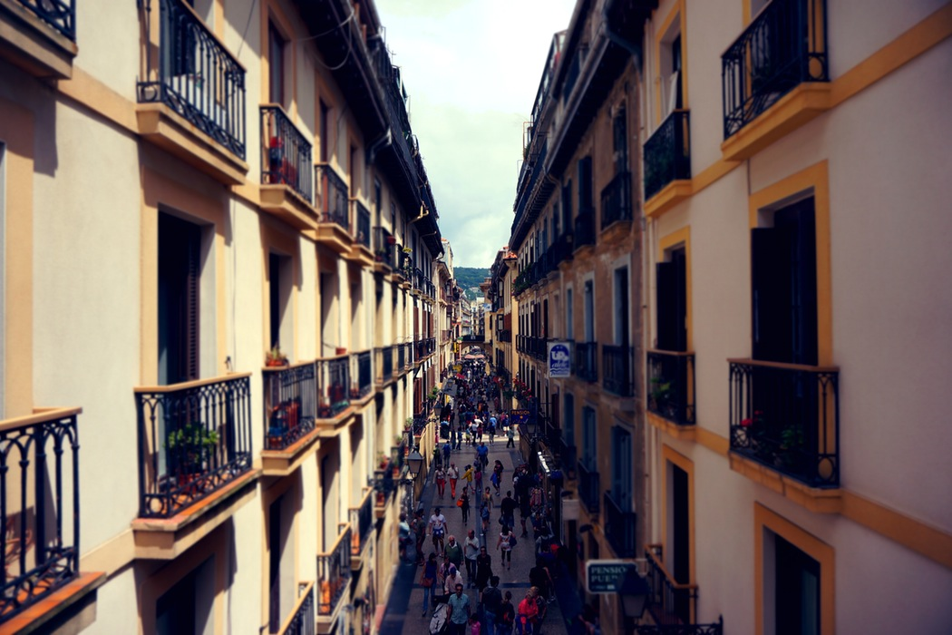 Busy-Street-with-Balconies.jpg