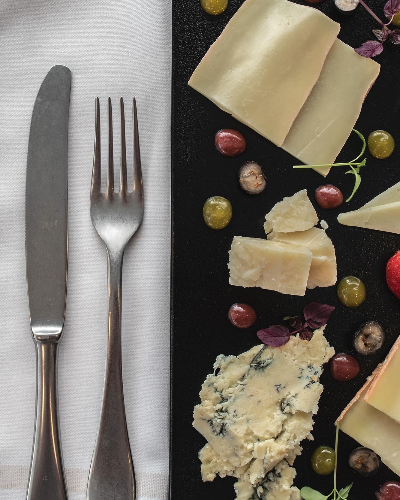 fresh grapes&gorgonzola dolce -