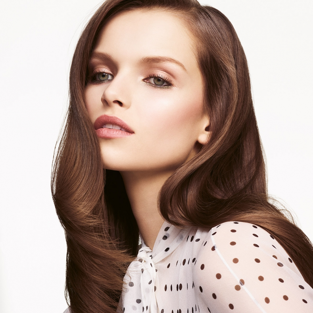Studio 32 ensures all its staff have an exceptional level of service and dedication to hair. The stylists attend regular hair workshops and seminars to keep up to date with current fashion trends, techniques and products. -