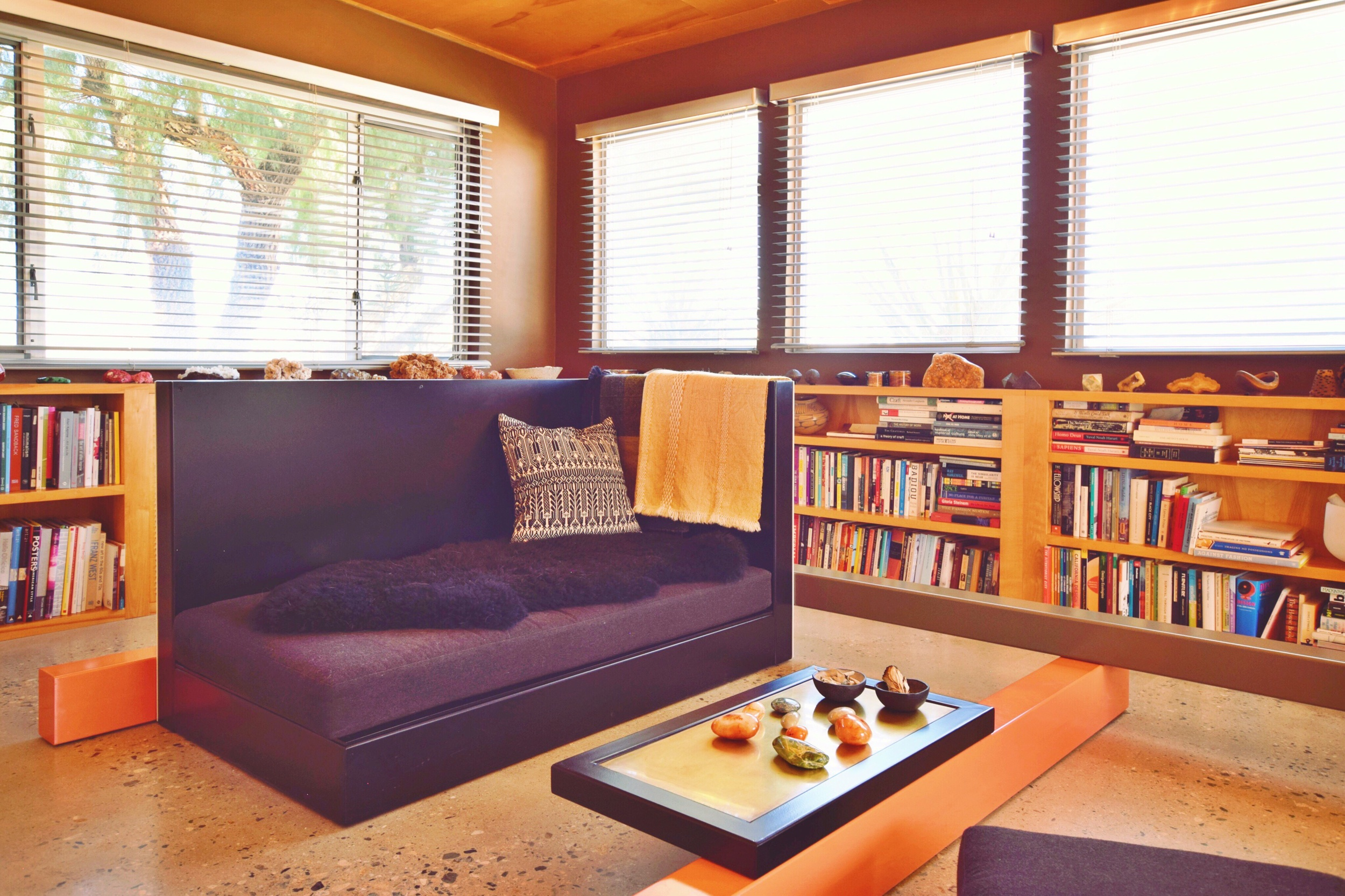 The living room with the multifunctional Planar Configuration Unit.
