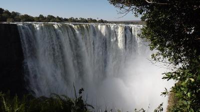 victoria-falls-605911_1280.jpg