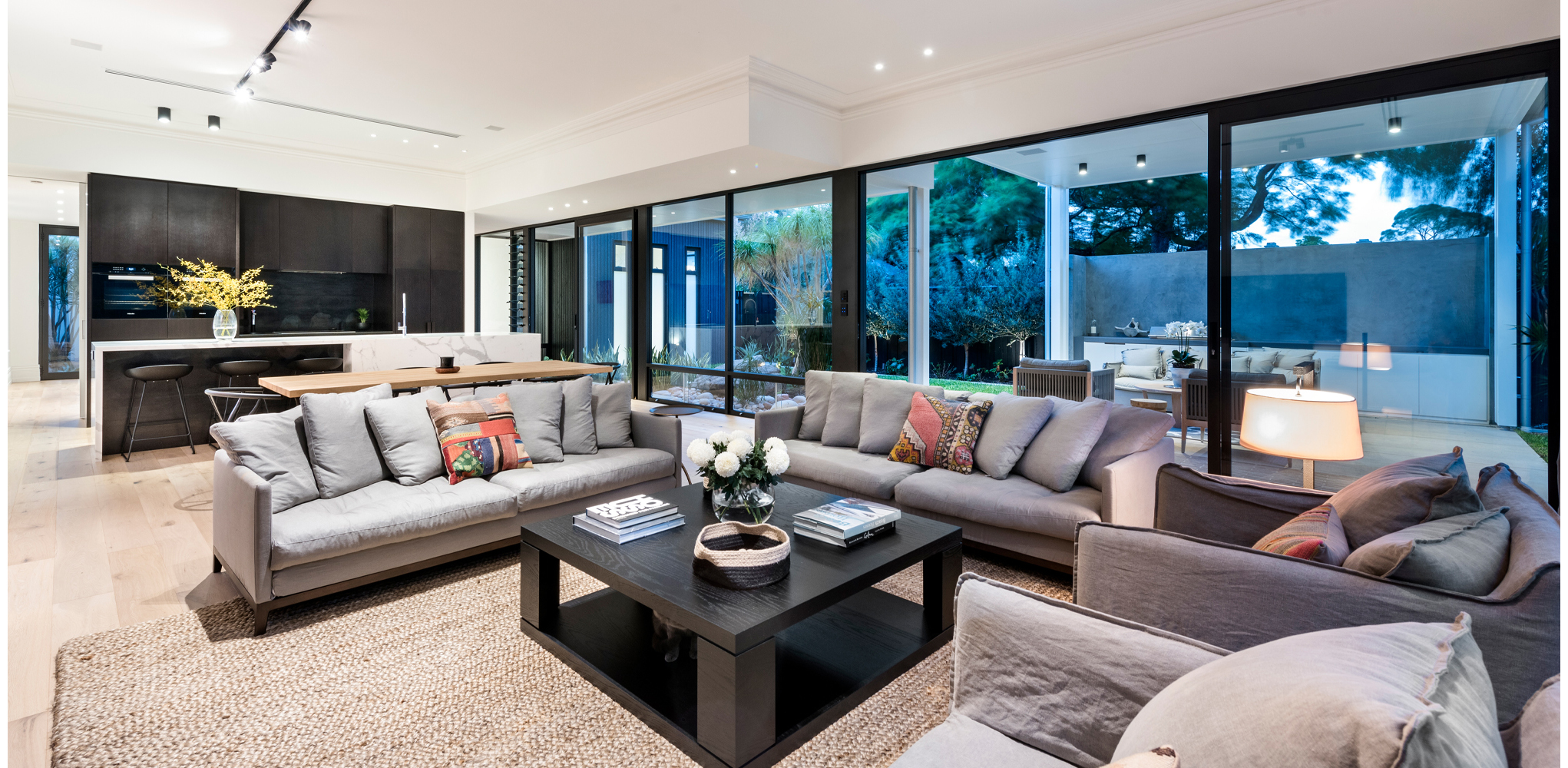 maek-luxury-home-design-inspiration-mosmanpark-27m-gallery-7.jpg
