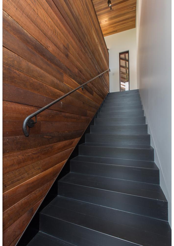 maek-luxury-home-design-inspiration-toodyay-stairway-gallery-15.jpg