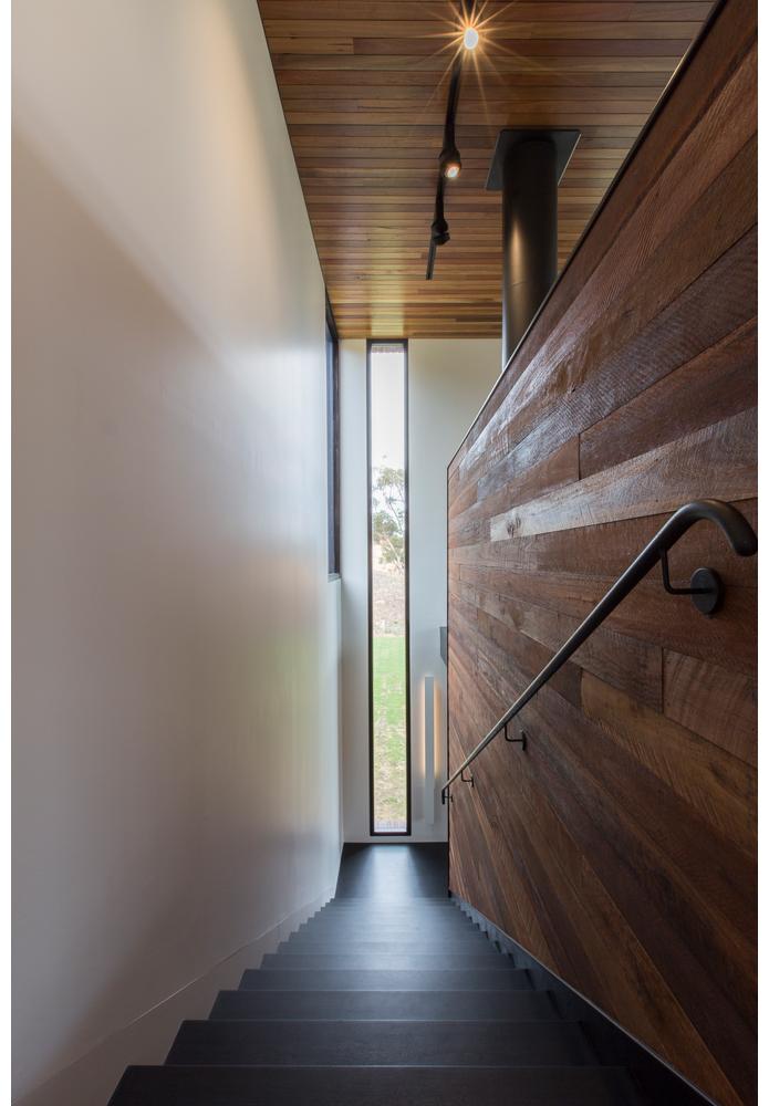 maek-luxury-home-design-inspiration-toodyay-stairway-gallery-16.jpg
