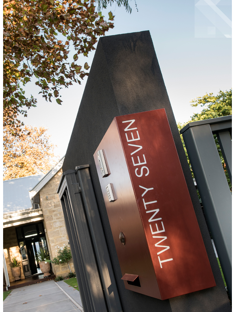 maek-luxury-home-design-inspiration-peppermintgrove-27v-address-gallery-3.jpg