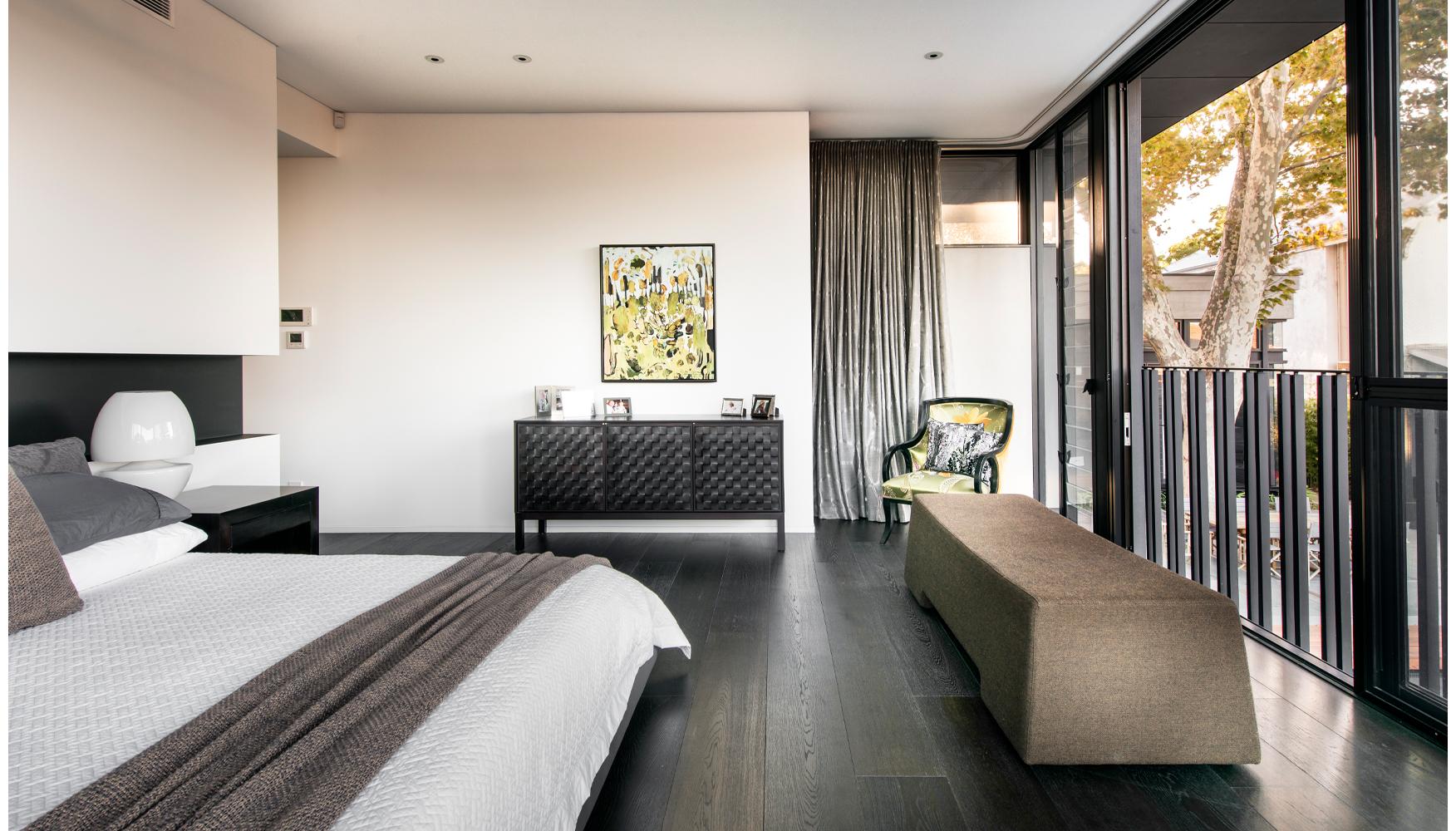 maek-luxury-home-design-inspiration-peppermintgrove-27v-bedroom-gallery-10.jpg