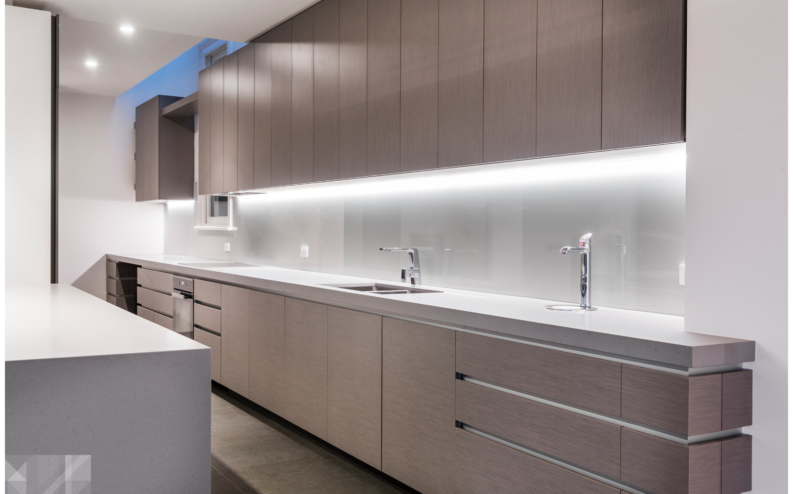 maek-luxury-home-design-inspiration-jolimont-kitchen-benchtop-9.jpg
