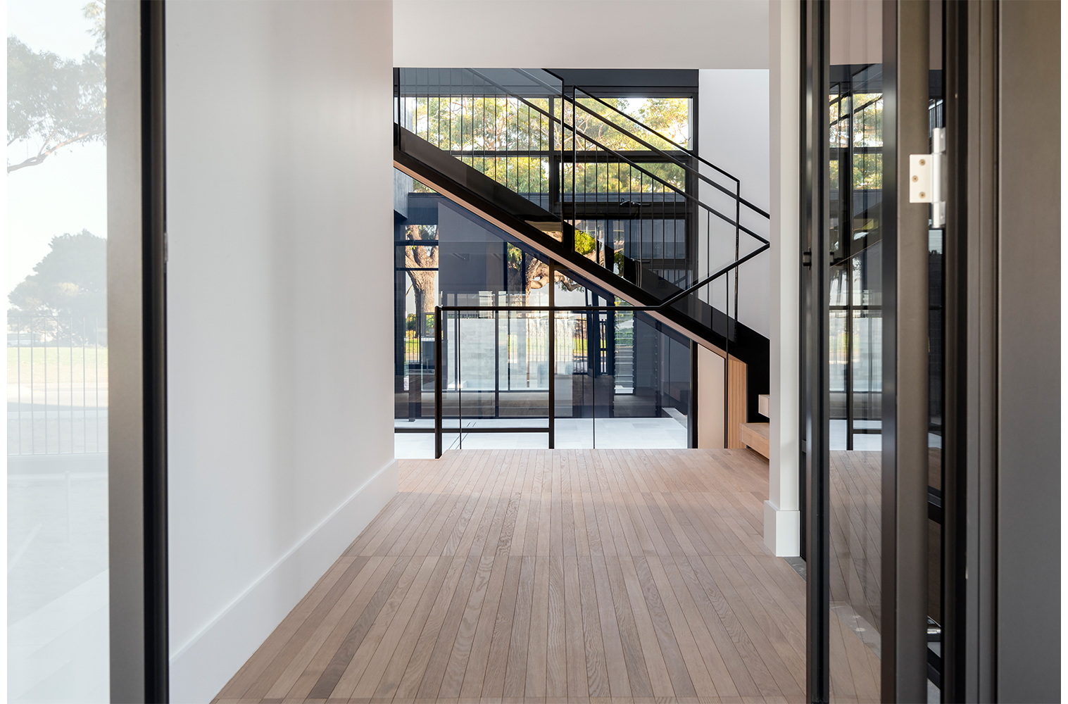 maek-luxury-home-design-inspiration-mosman-park-hallway-4.jpg