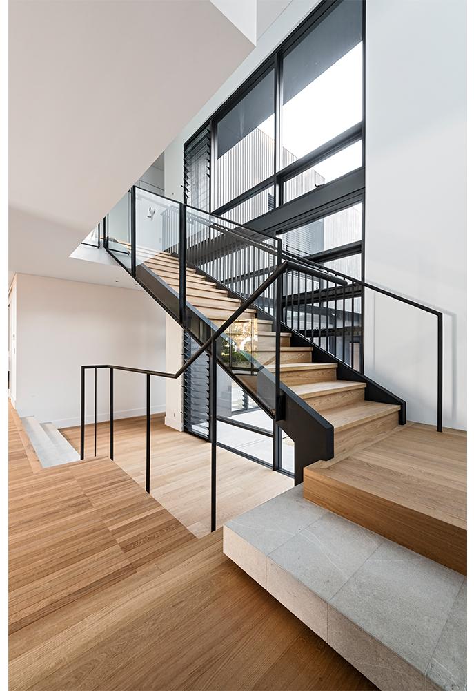 maek-luxury-home-design-inspiration-mosman-park-stairway-6.jpg