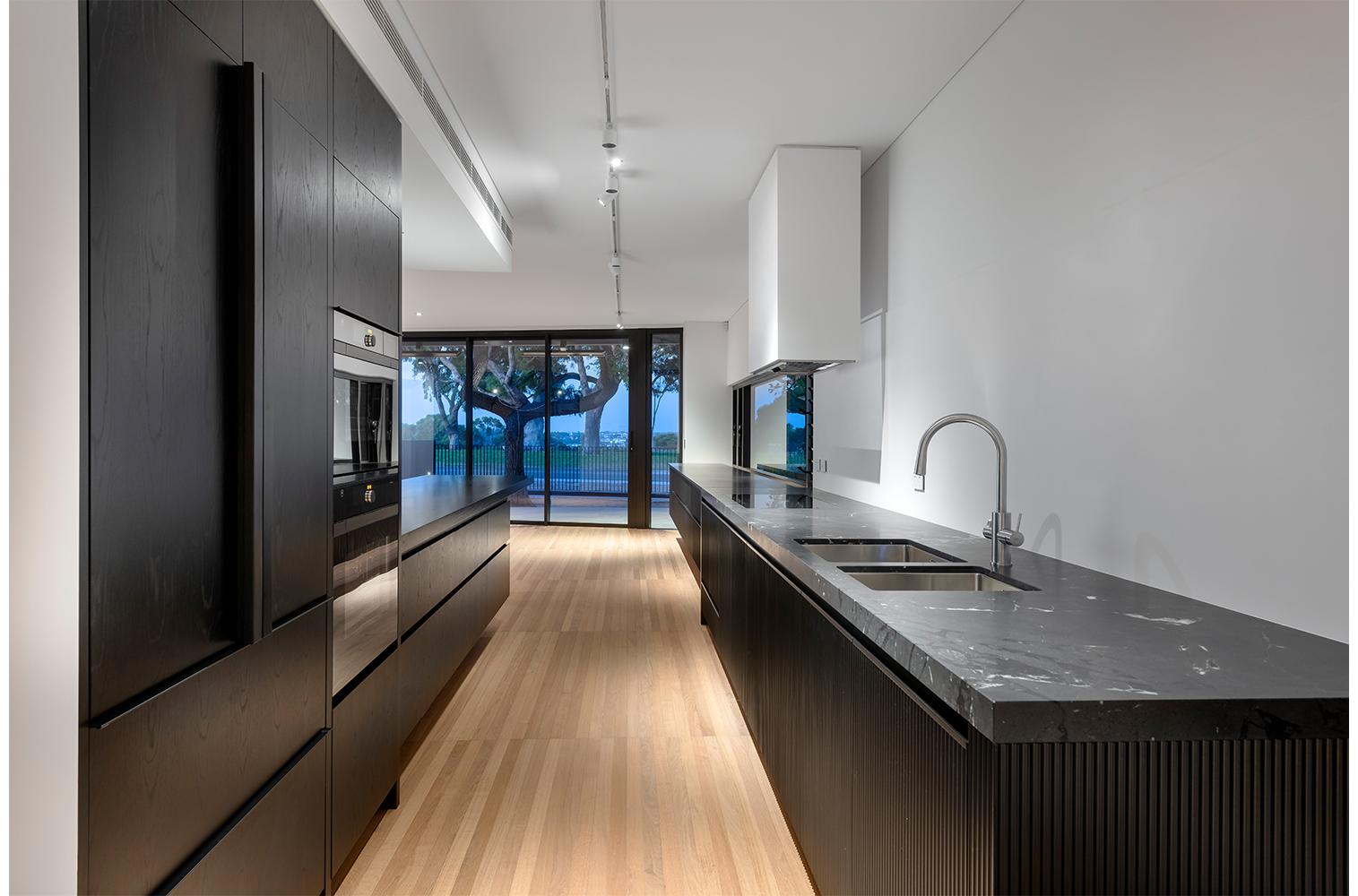 maek-luxury-home-design-inspiration-mosman-park-kitchen-8.jpg