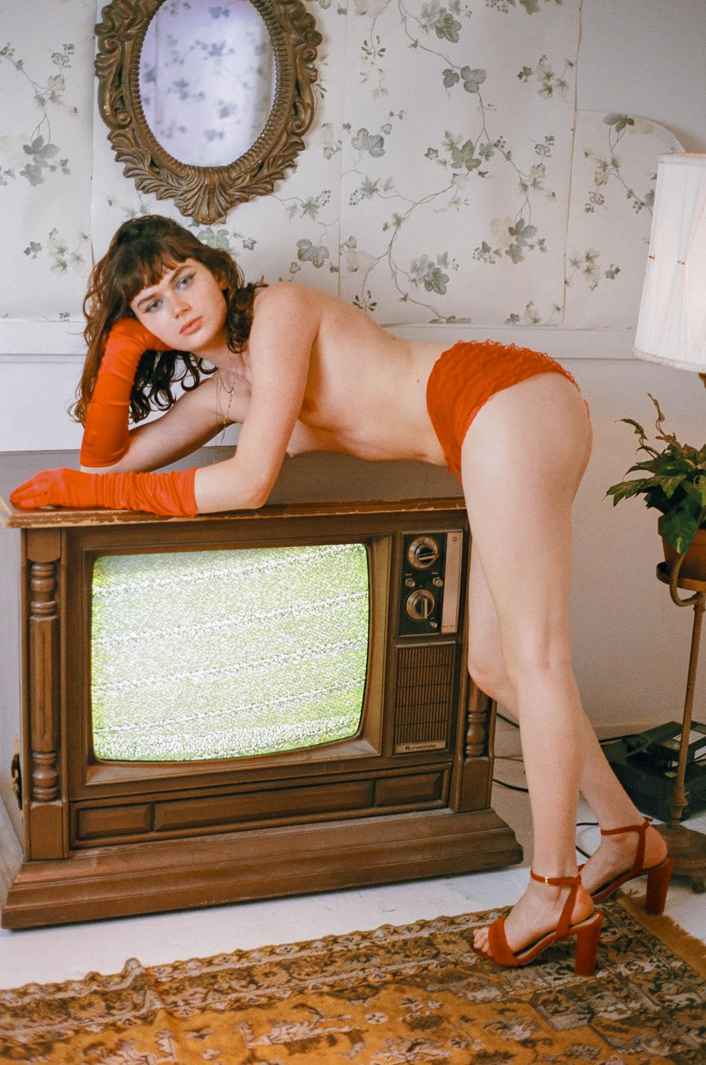 Coi TV-002-3.jpg