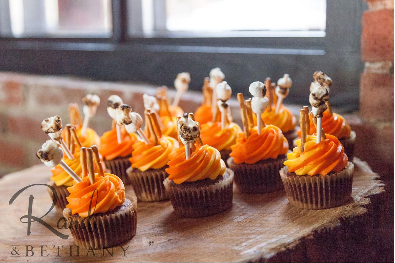 cupcakes (1).PNG