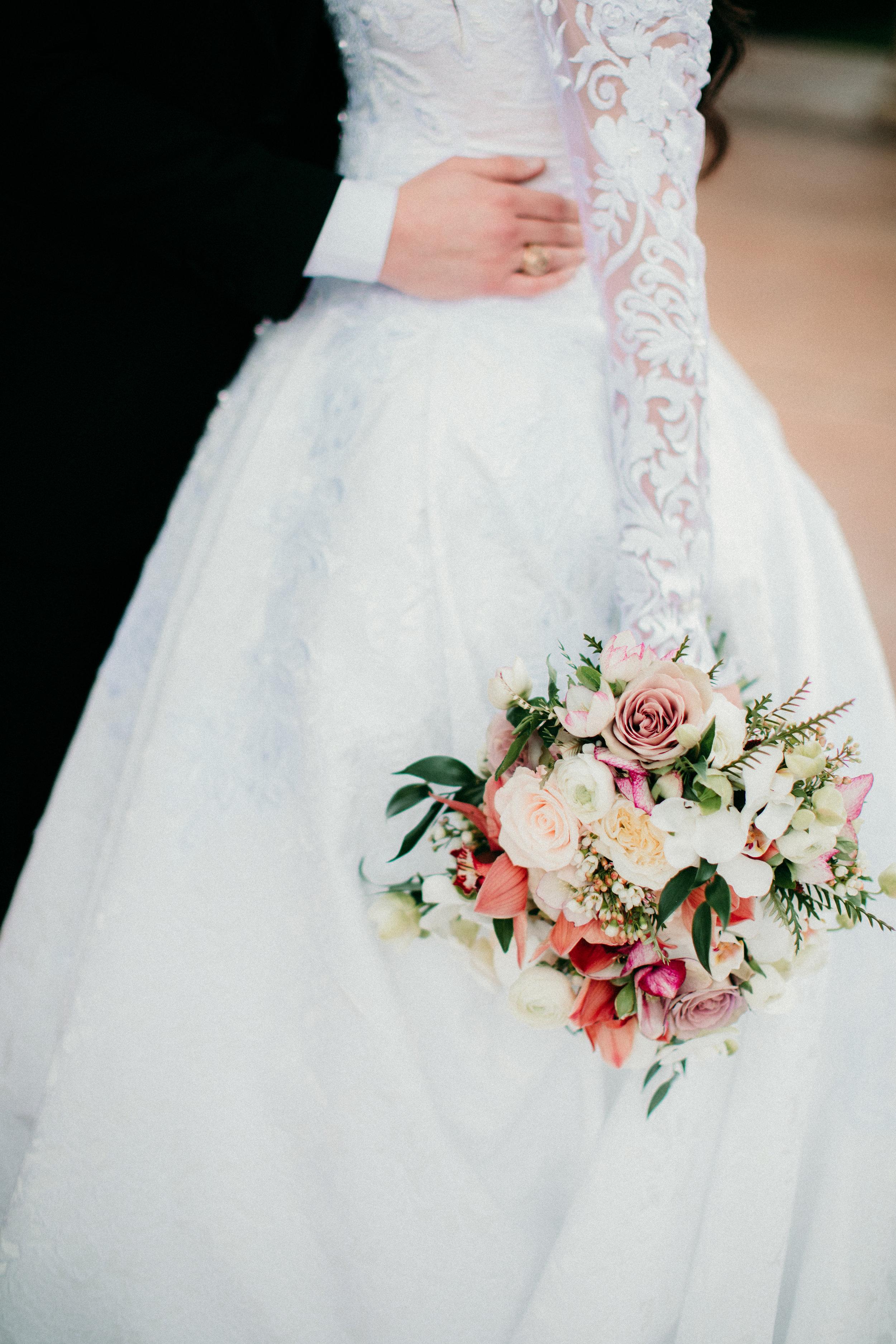 nuetral-wedding-flowers-houston-texas