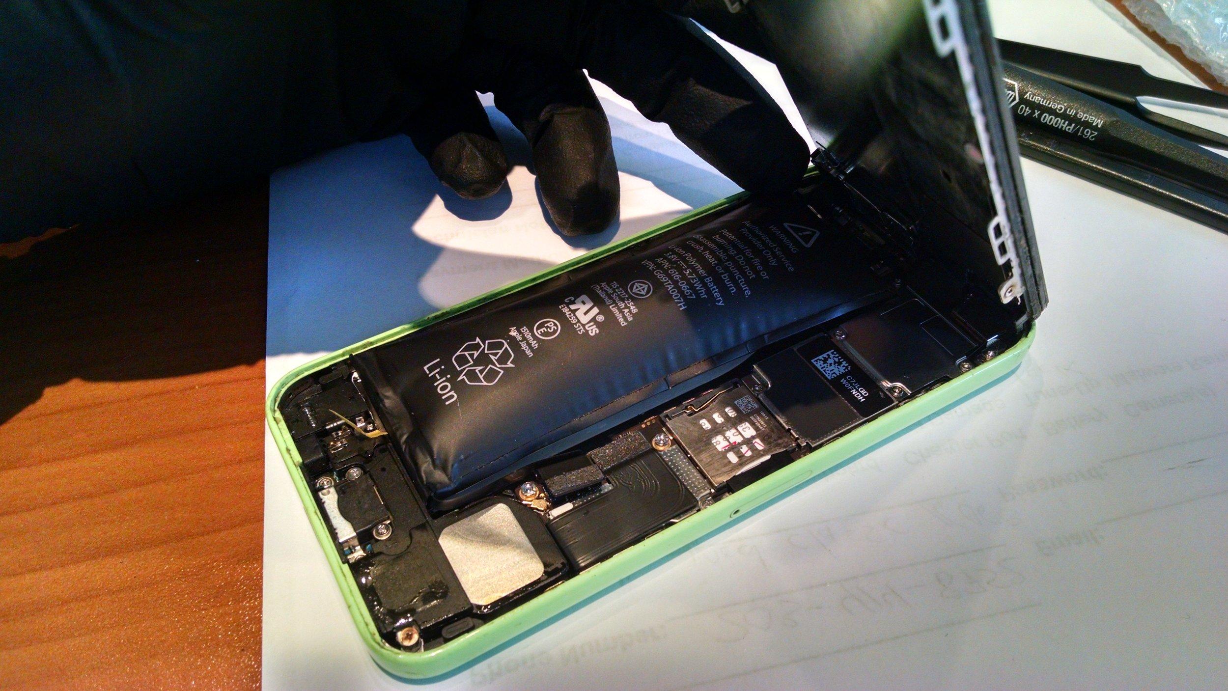 5c battery swell.jpg