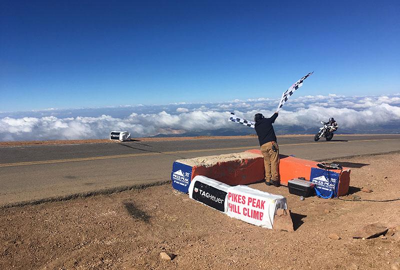 Une arrivée à 4300 mètres d'altitude, ce qui n'est pas sans incidence sur la performance des moteurs.