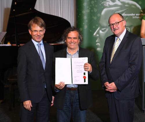 Presentation of the 2018 Humboldt Awards - Dr. Hans Christian Pape, President of the Humboldt Foundation (left) Ed Belbruno (center) Dr. Michael Meister, German Ministry of Education and Research (right)(Photo by David Ausserhofer, Humboldt Foundation official photographer)