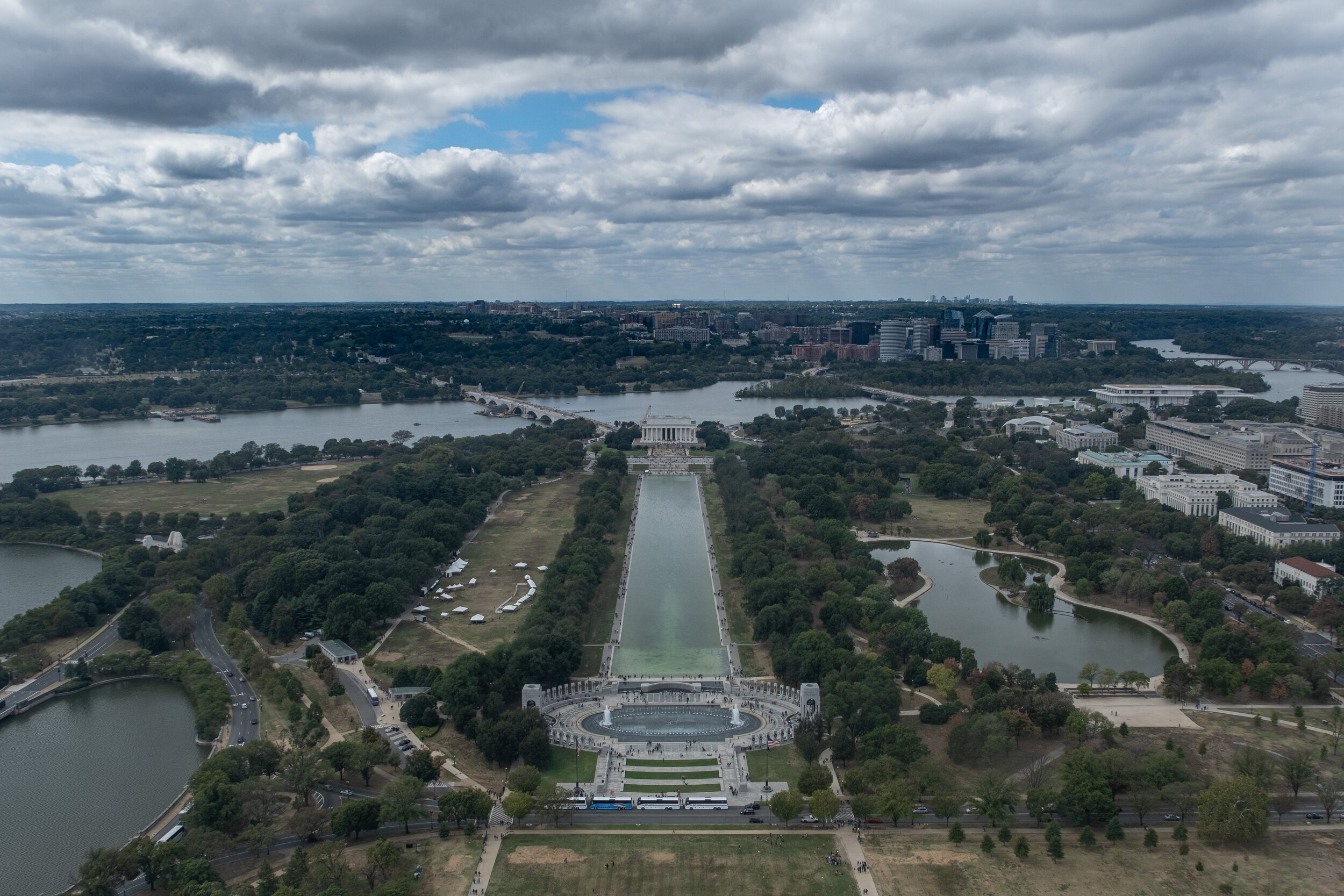 West toward the Lincoln Memorial