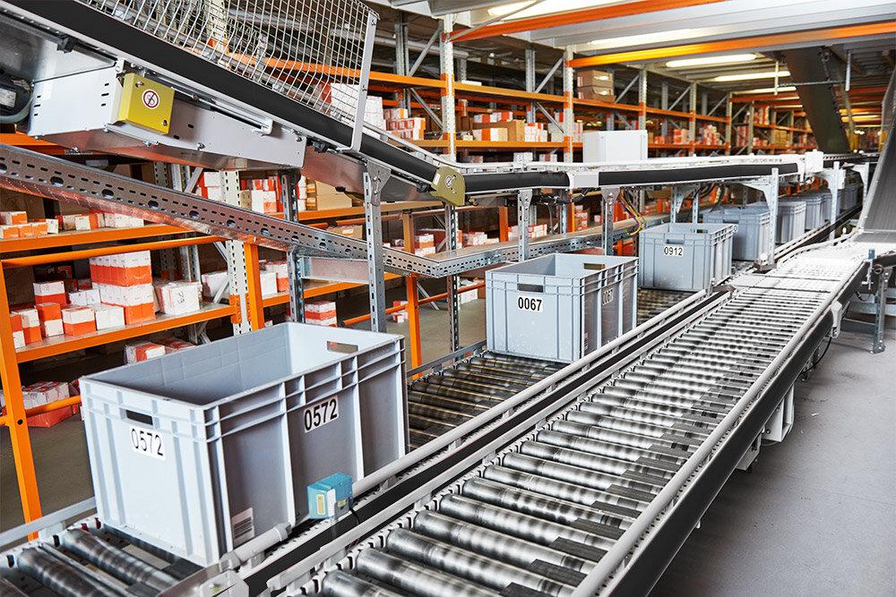 stac_conveyor_gallery_bigstock-warehouse-management-system-C-170651924_neutral.jpg