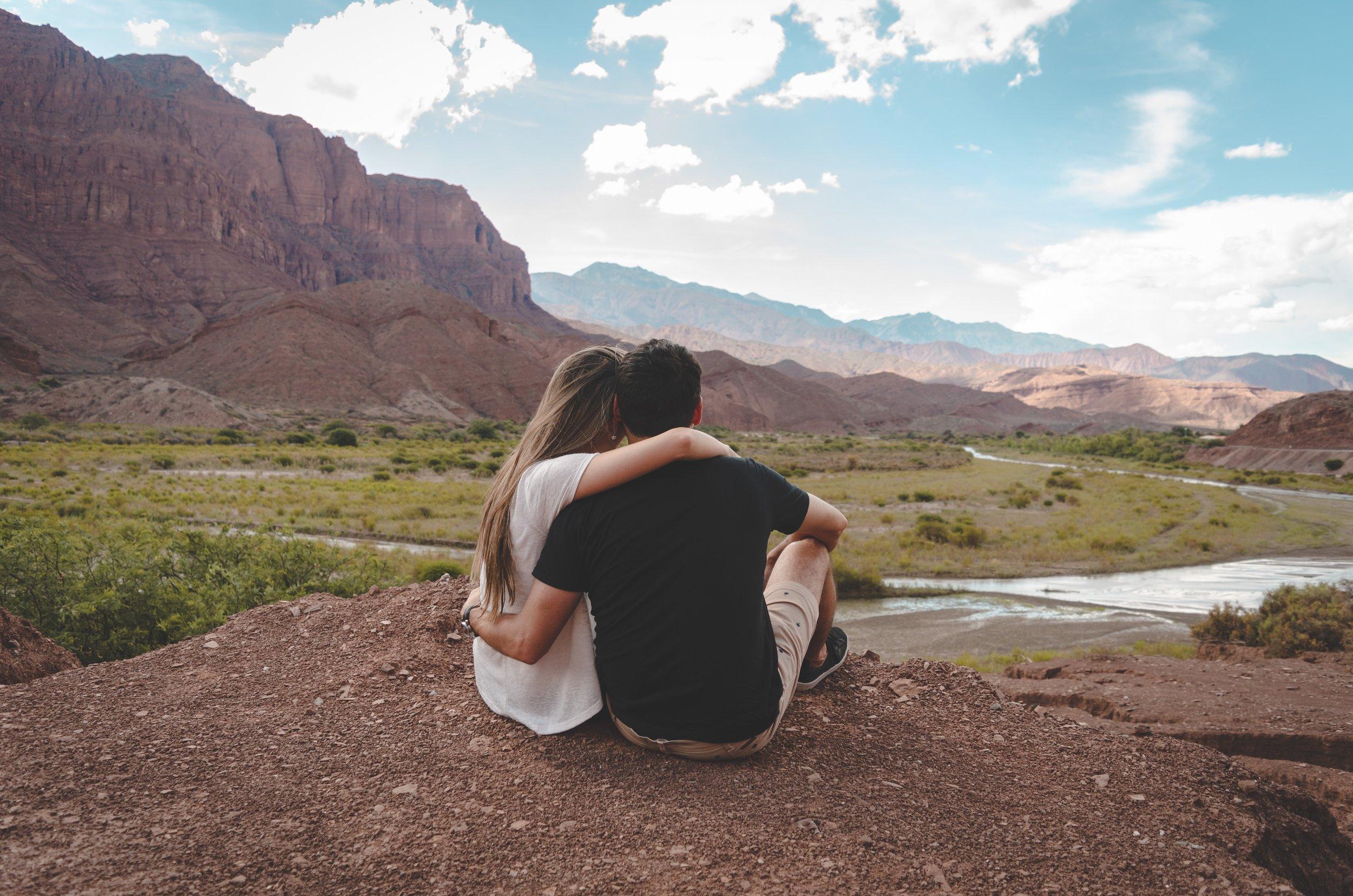 adventure-couple-hike-2682111.jpg