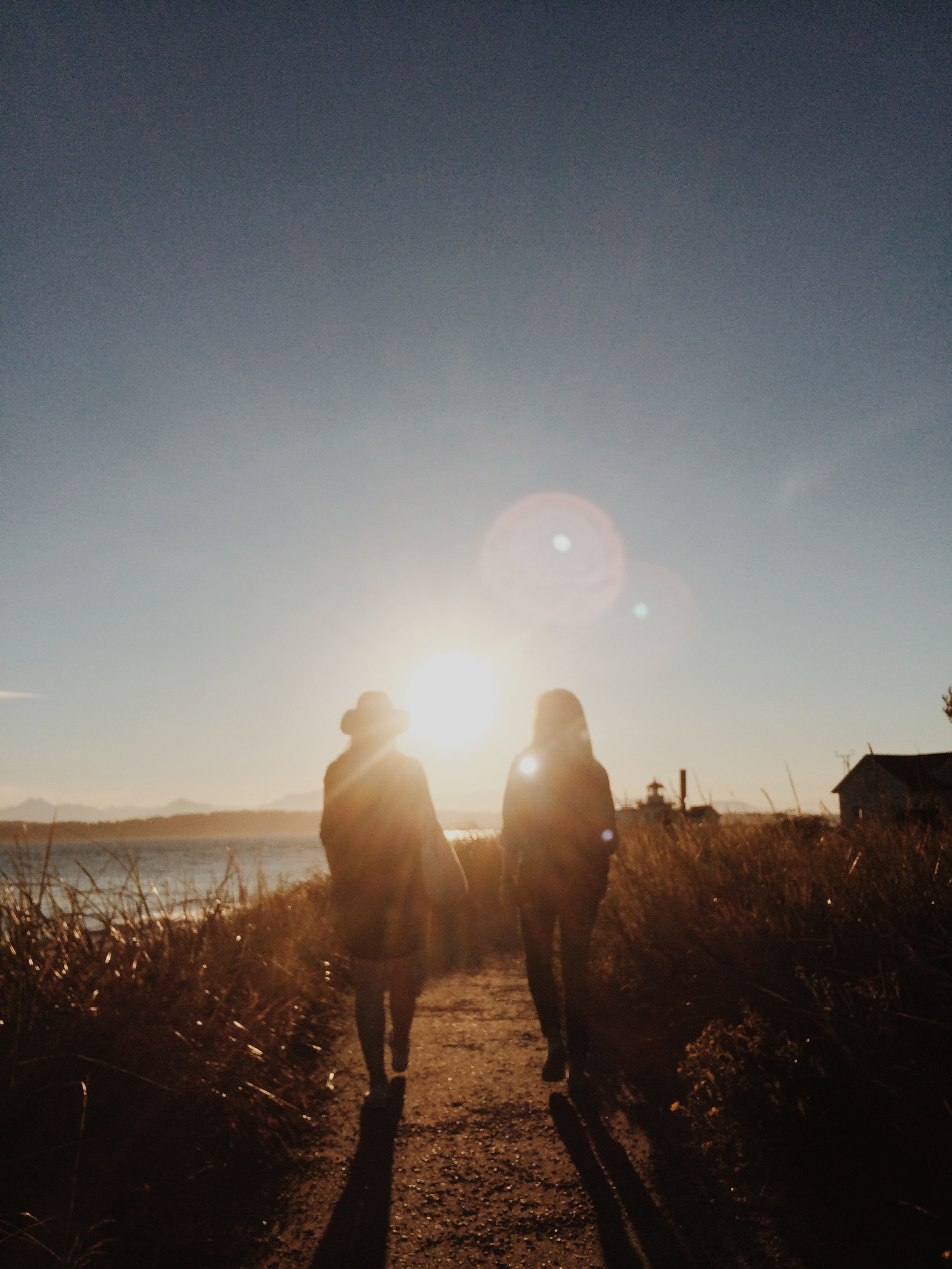 lens-flare-path-people-6940.jpg