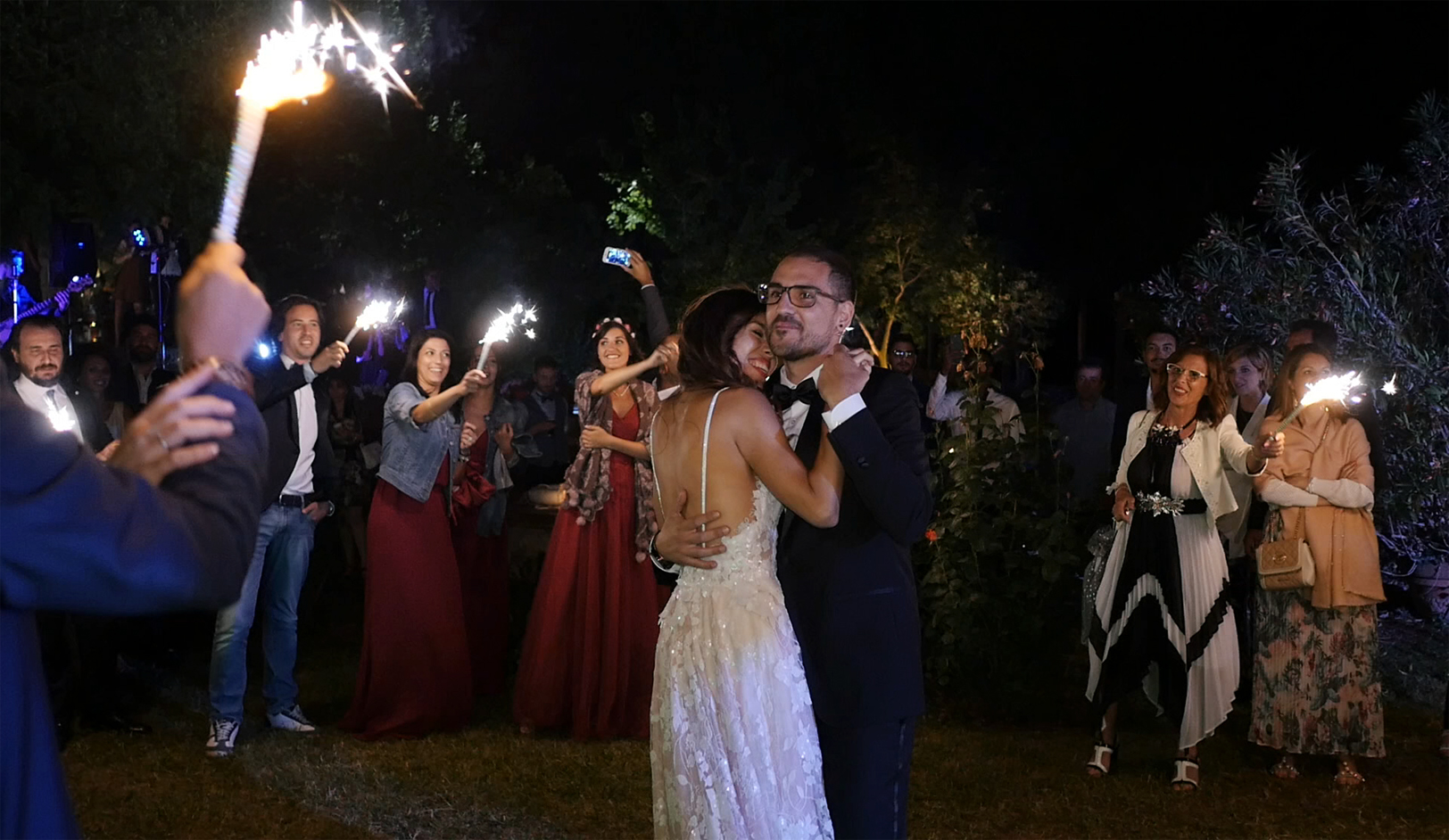 wedding-in-tuscany-first-dance-brides.jpg