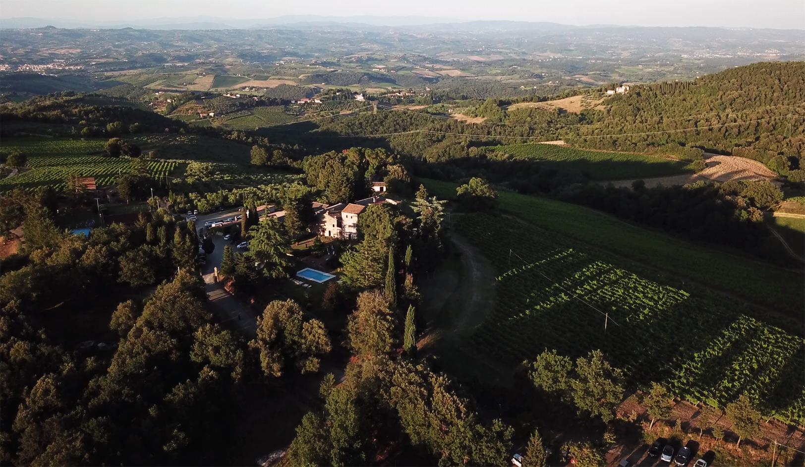 fattoria-di-larniano-drone-wedding-tuscany.jpg