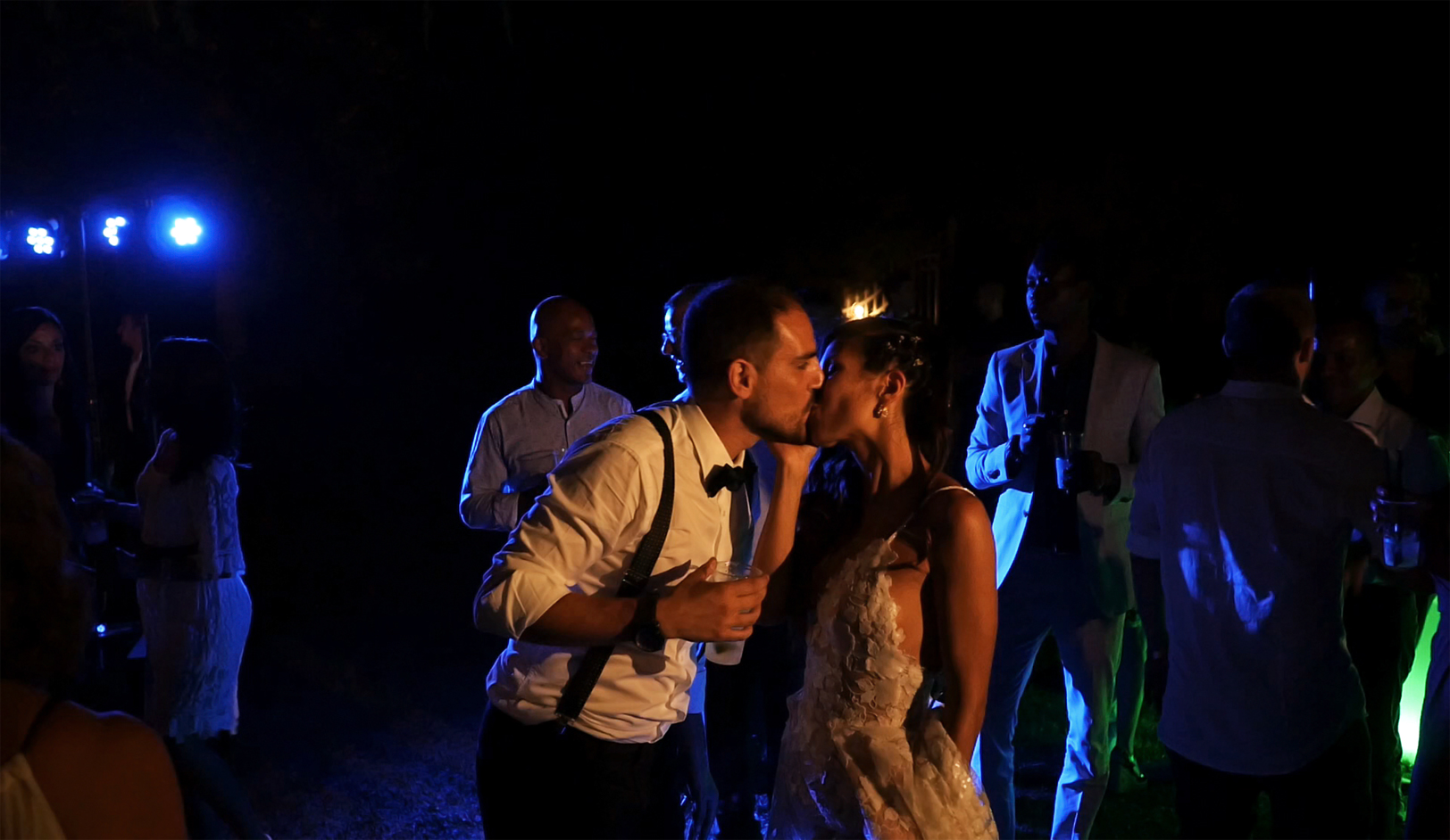 wedding-in-fattoria-di-larniano-party-bride-groom.jpg